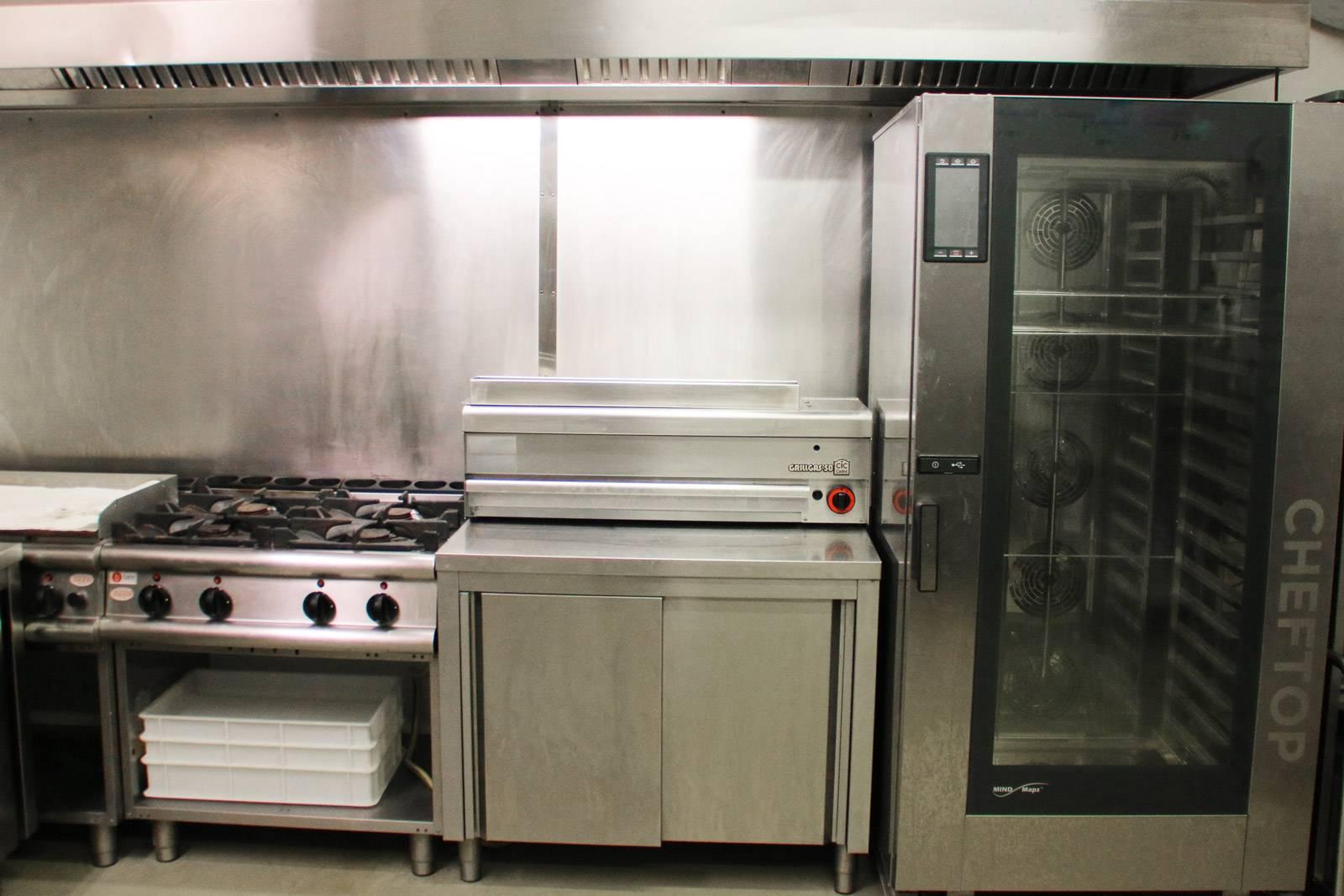 adatto locale grill